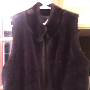 Talbots Black Fur Vest in size L. Excellent cond.